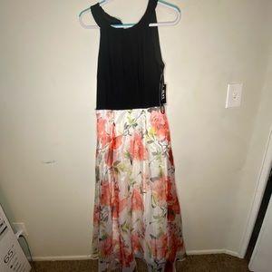 SLNY Dresses - Formal Floral dress